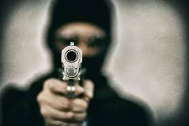 पुरानी रंजिश के चलते युवक को मरी गोली लगने
