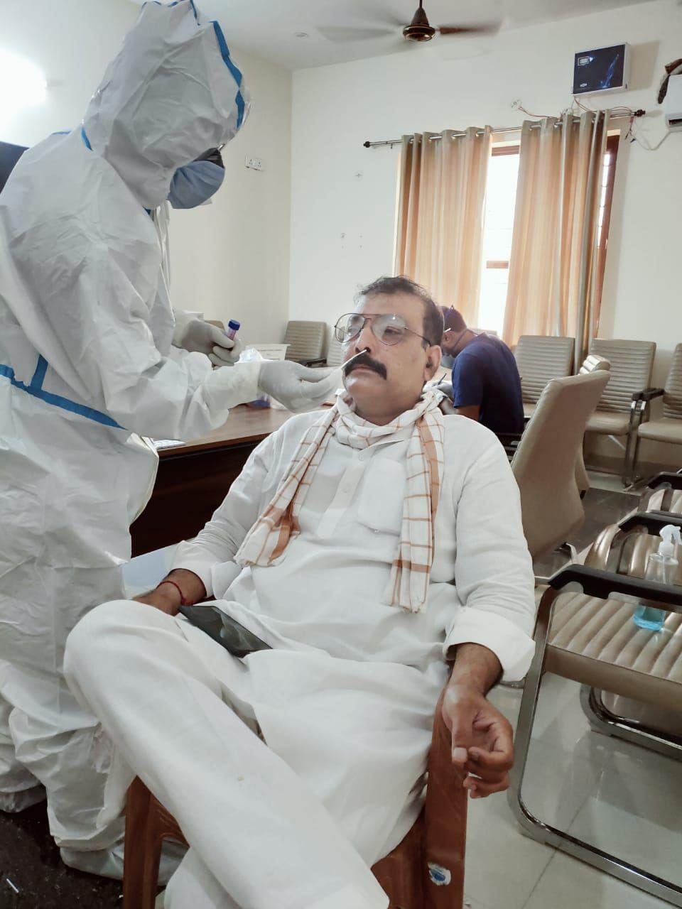 भाजपा कार्यालय पर कोविड की जांच में चार पाॅजीटिव