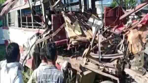 लखनऊ के पास रोडवेज बसों की भीषण भिडंत में 6 की मौत