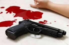 सेवा निवृत्त पुलिस इंस्पेक्टर ने बेटे को गोली मारकर कर ली खुदकुशी