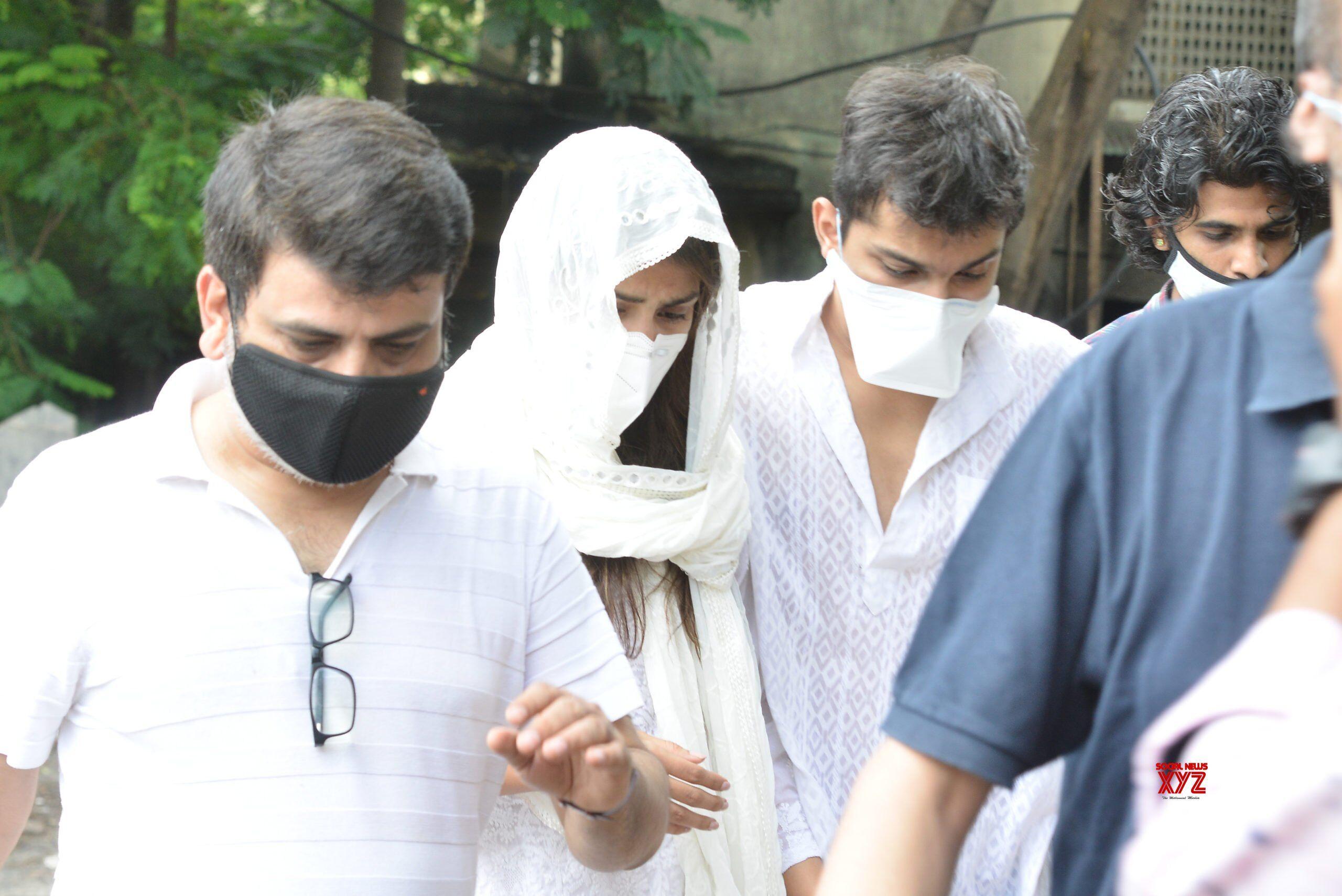 सुशात मामला, रिया से सीबीआई ने की पूछताछ