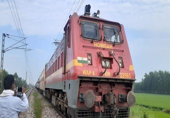 मुरादाबाद के पास बाल-बाल बचा बडा रेल हादसा