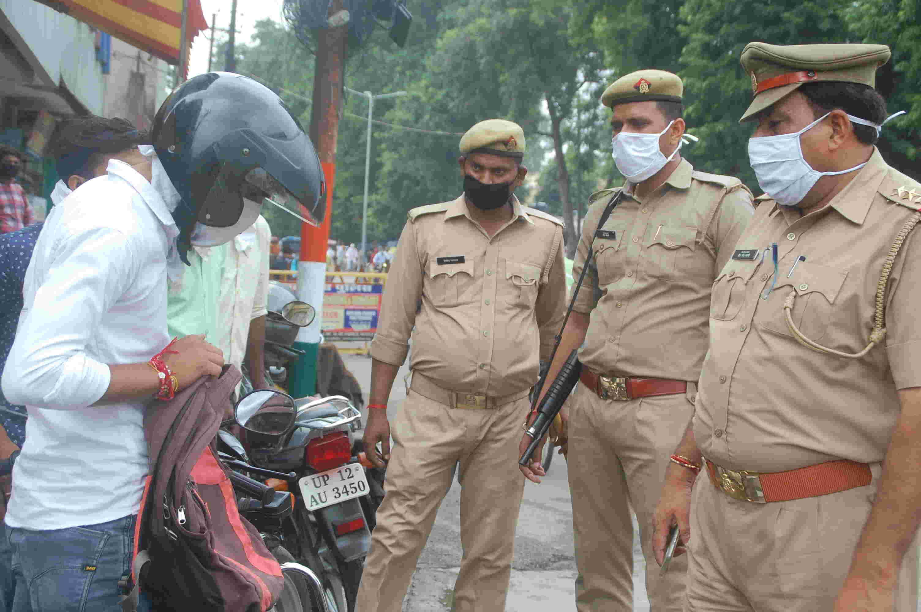 मुजफ्फरनगर में पुलिस ने चलाया चैकिंग अभियान